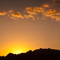 Solnedgang i Sinai-ørkenen.